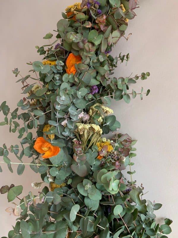 Drveni obruč sa cvijećem - polukrug